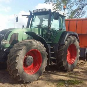 Zielony traktor